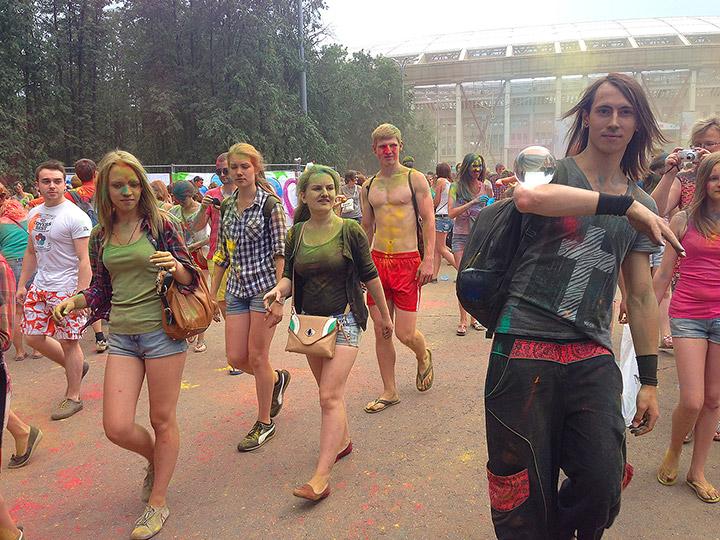 фестиваль холи в москве 2014