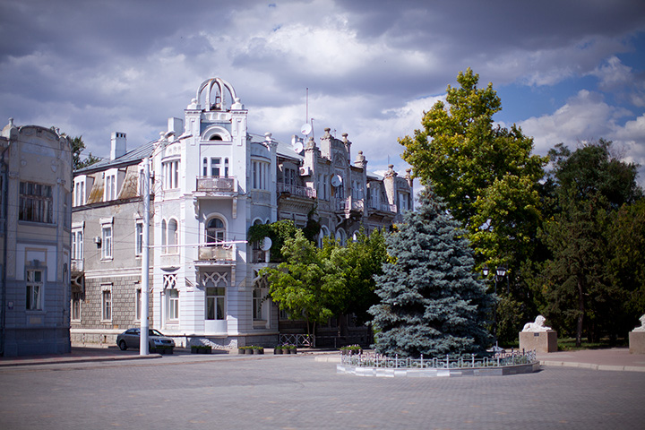 театральная площадь Евпатория