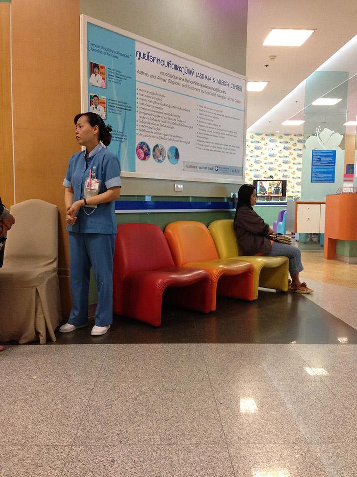 Доктор Даруни и Путтачат самые уважаемые педиатры в Бангкок паттайя госпитале