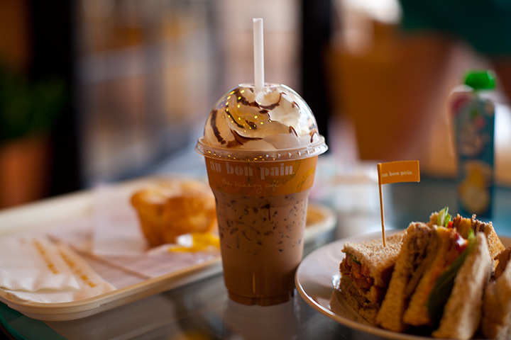 любиииимейший Бон Пан, какой там кофе, а сендвичи, ммм!!!
