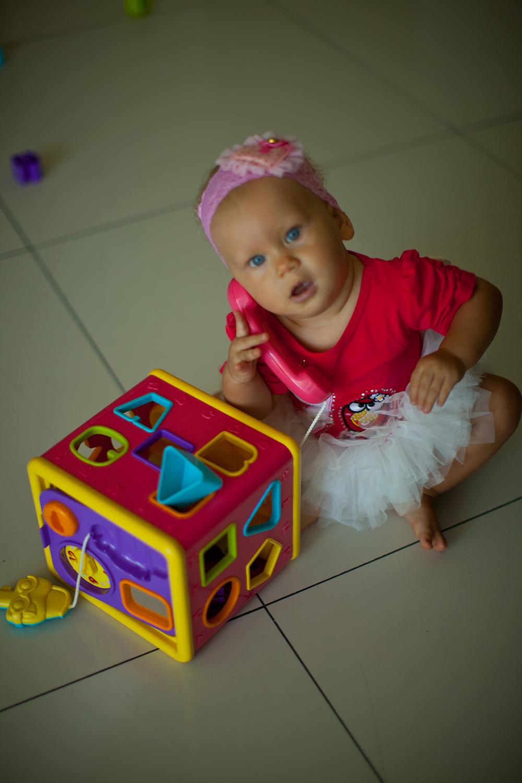 Полезных и интересных игрушек не так уж и много, и уж точно, не стоит тратить много денег на не нужные и захламляющие дом вещи