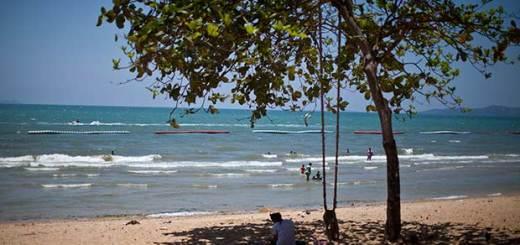 пляж Донгтан Паттайя фото