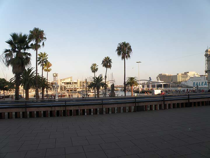 где погулять в Барселоне? Набережная Барселоны фото