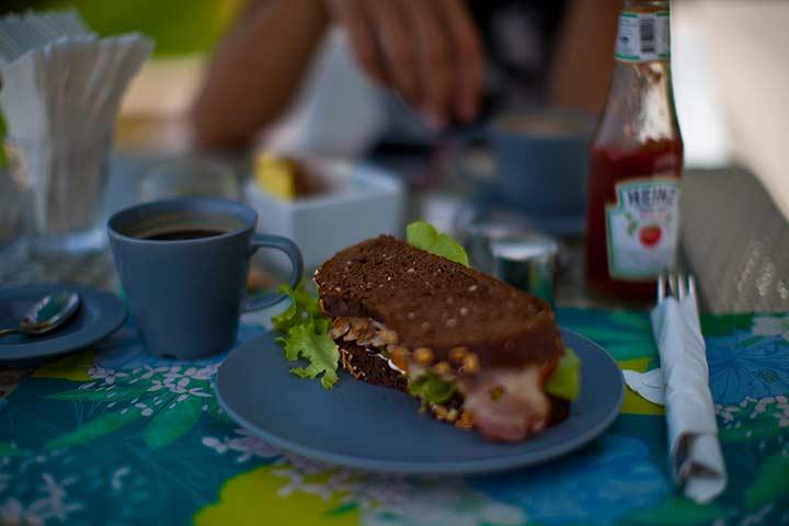 кози бич - куриный сендвич