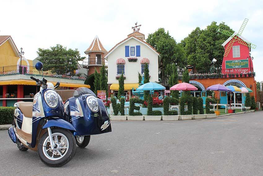 прекрасный вариант для аренды - мотобайк с коляской в Паттайе. Можно ездить всей семьей