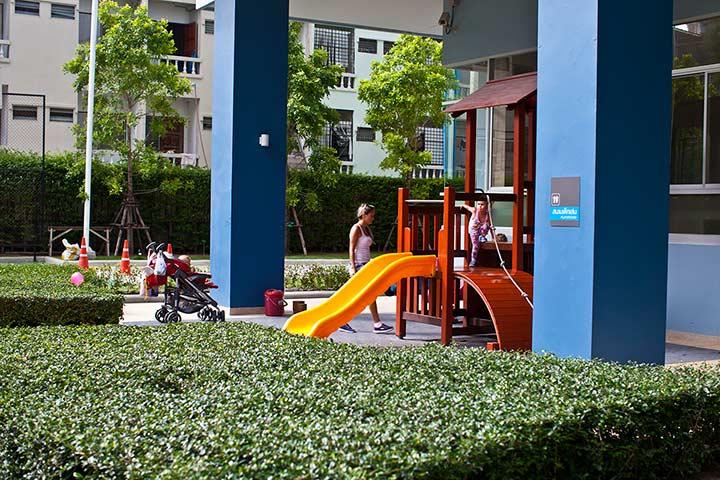 детская площадка в Люмпини Джомтьен кондо