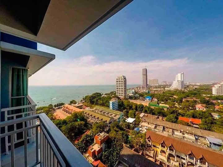 а это вид с балкона в кондо Люмпини, в одной из квартир