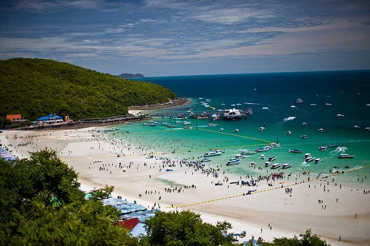 Таваен фото - единственный густонаселенный пляж ко лана летом