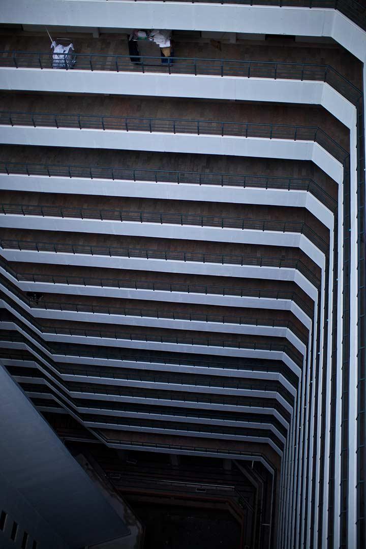 вид вниз с 25 этажа в отеле Паттайя Парк