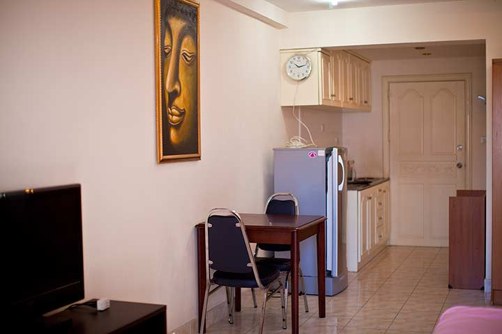 квартира в Паттайе в центре - фото кухни