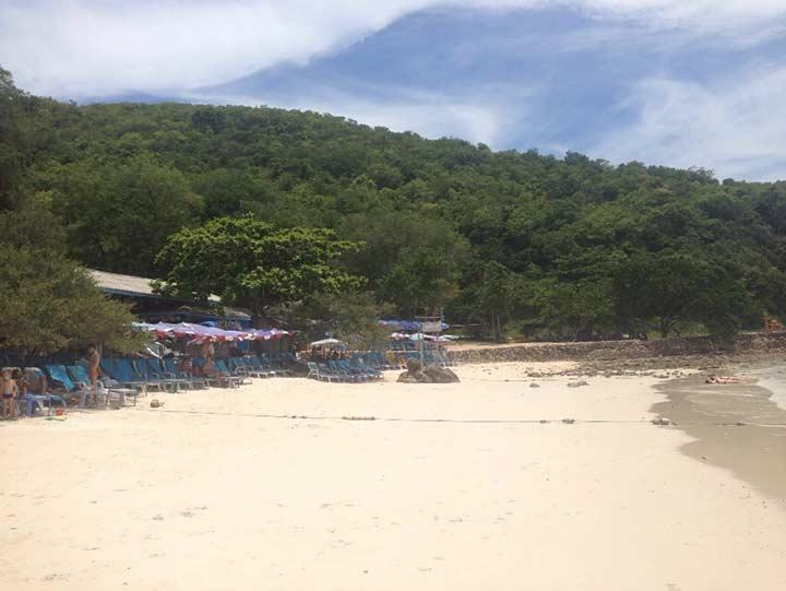 Пляж Сангван фото - народу как видите немного