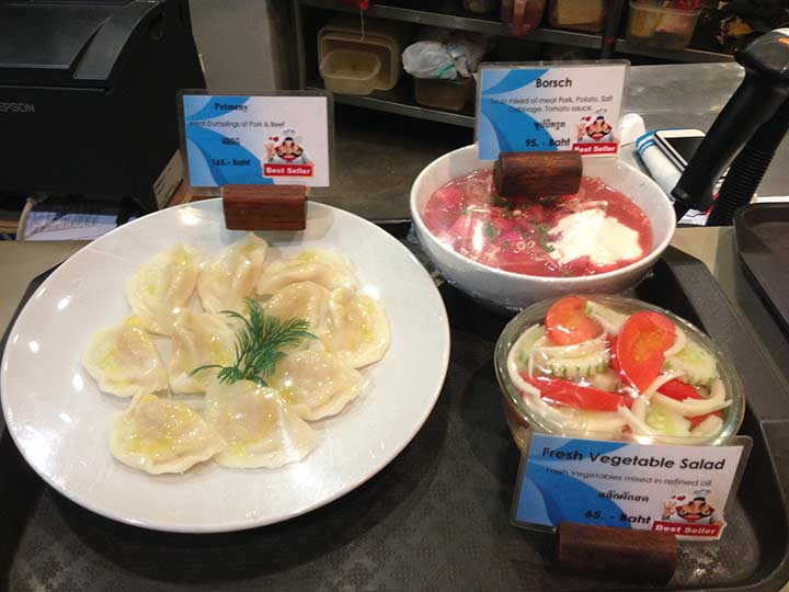 еще фото еды в Паттайе на фудкорте