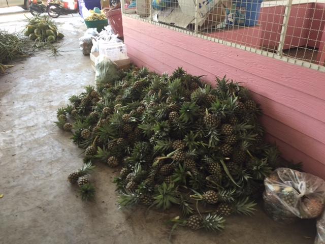ананасов тоже выбор огромный