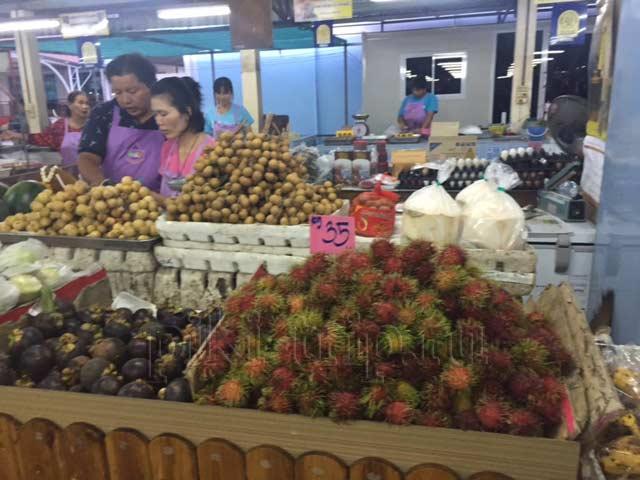 рынки Паттайи - рынок на сои Ват Бун фото
