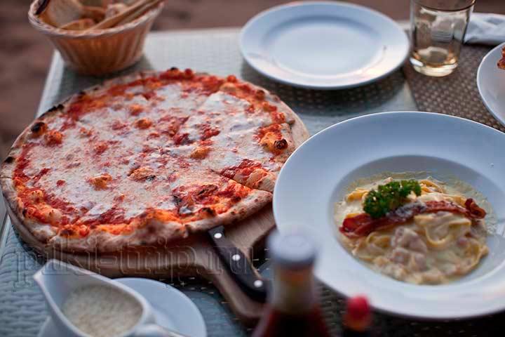 паста и пицца маргаритта