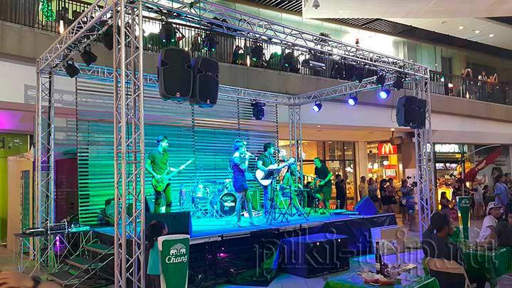 концерт тайской группы у централ фестиваля