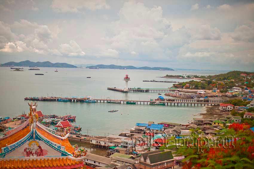 на фото прекрасный остров Ко Сичанг, на него тоже можно съездить, фоток 3-х островов у меня нет, но очень надеюсь что будут!