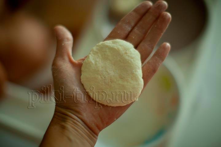 заготовка для будущего печенья должна быть примерно такого размера