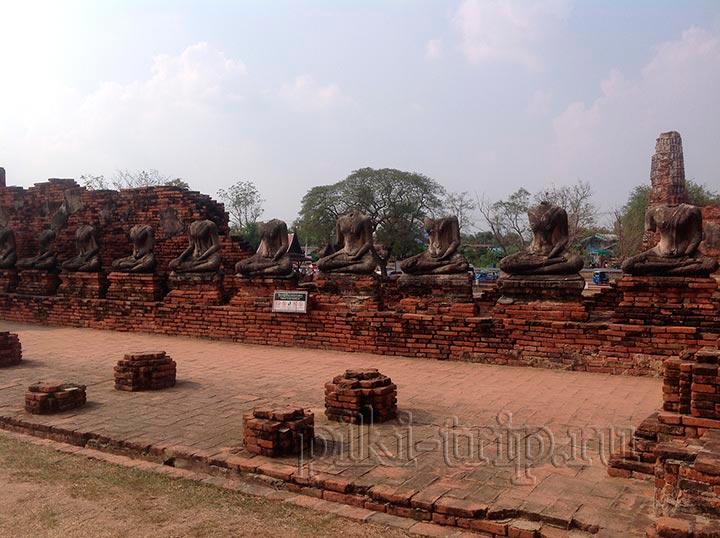 статуи Будды без головы зловещее зрелище