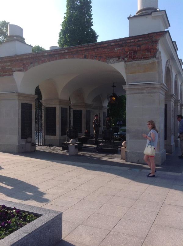 Варшава: Могила Неизвестного солдата на пл. Пилсудского (фото)