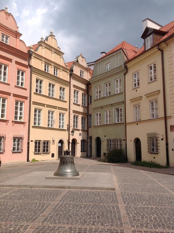 Исторический центр Варшавы: Колокол Варшавы (фото)