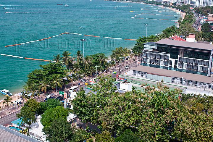 Пляж в центре Паттайи на бич роад фото