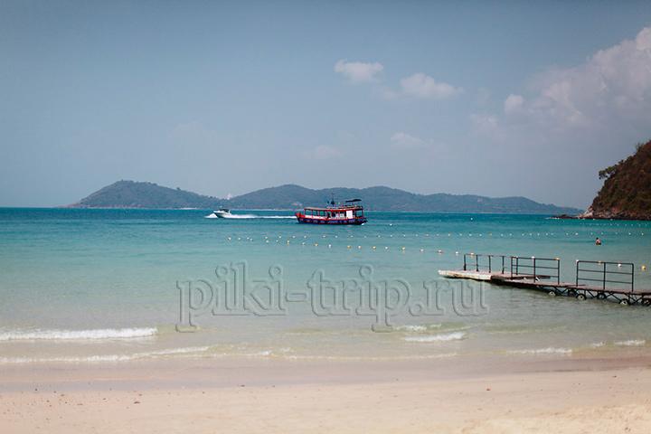море на островах в Паттайе