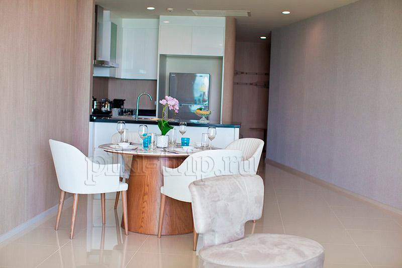 кухня и гостиная в президентском люксе