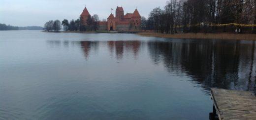 На фото Тракайский замок в Вильнюсе