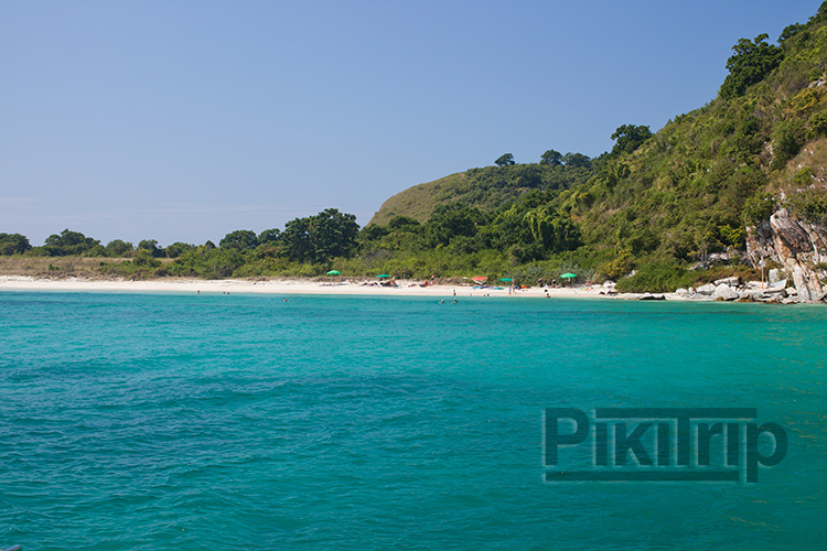 пляж на острове Ко Рин у Паттайи