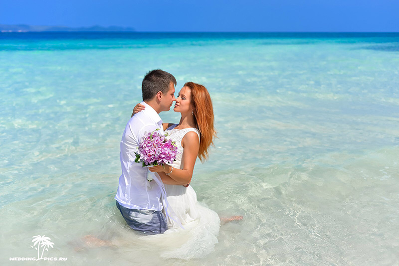 организация свадьбы в Таиланде и букеты