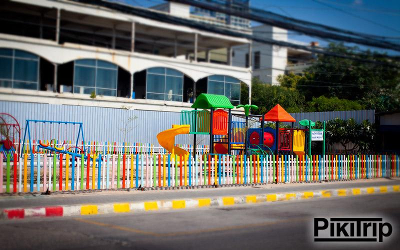 детская площадка джомтьен
