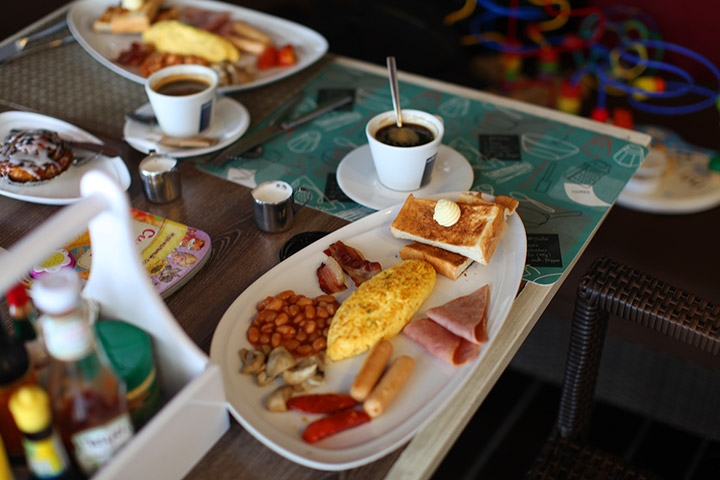 американский завтрак в Кози Бич кафе