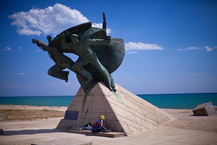 памятник морякам-десантникам