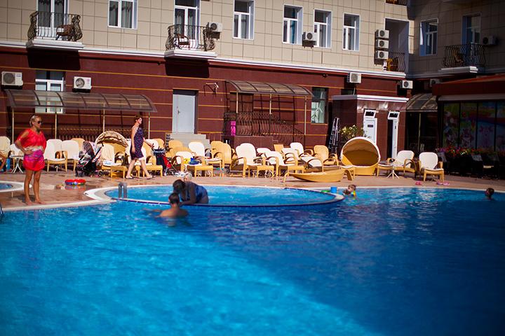 гостиница Украина Евпатория бассейн
