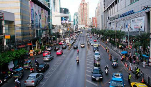 район Пратунам. Рядом бОльшая часть Бангкокских тц, в том числе Пратунам маркет и Платинум молл