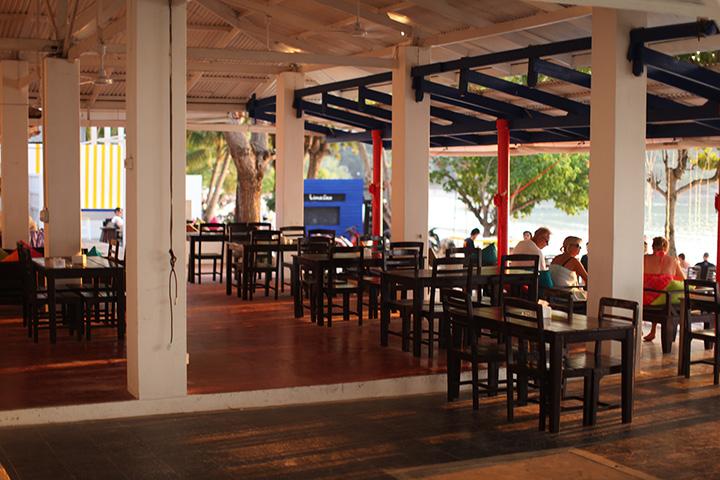 ресторан при отеле Lima Coco