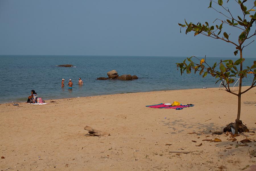пляжи паттайи на севере наклуа и вонгамат фото