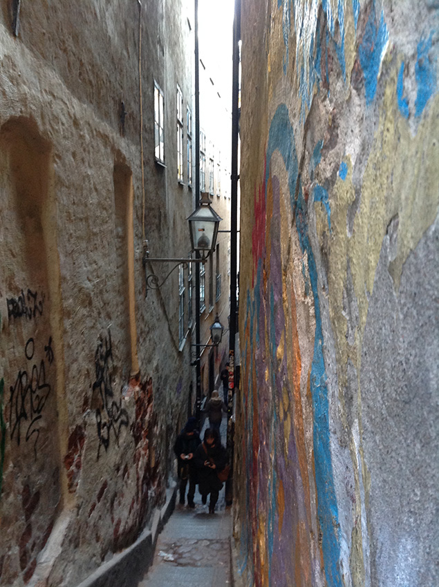 самая узкая улица Стокгольма «Mårten Trotzigs gränd»