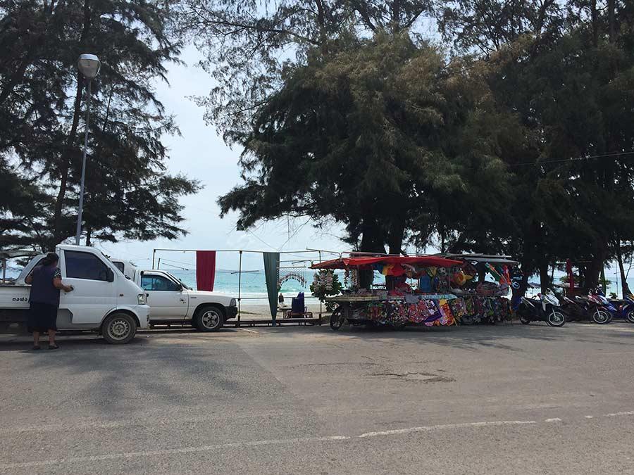 Дорога у пляжей Районга фото
