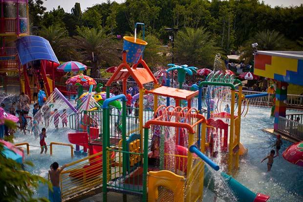 аквапарк очень хороший для детей любого возраста