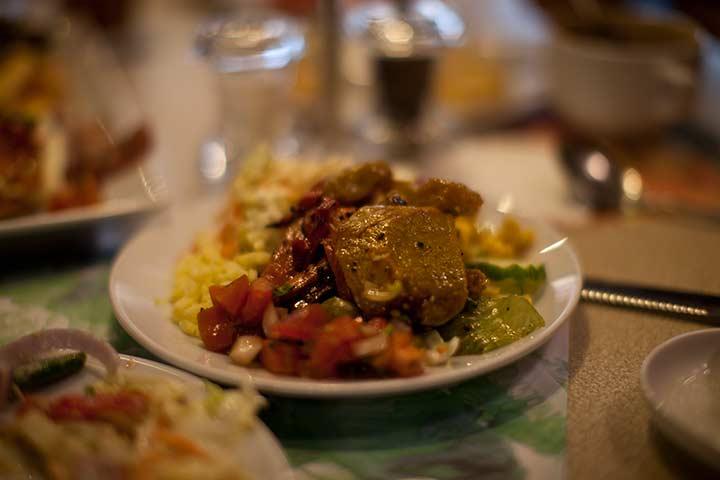 тарелка с моими салатами