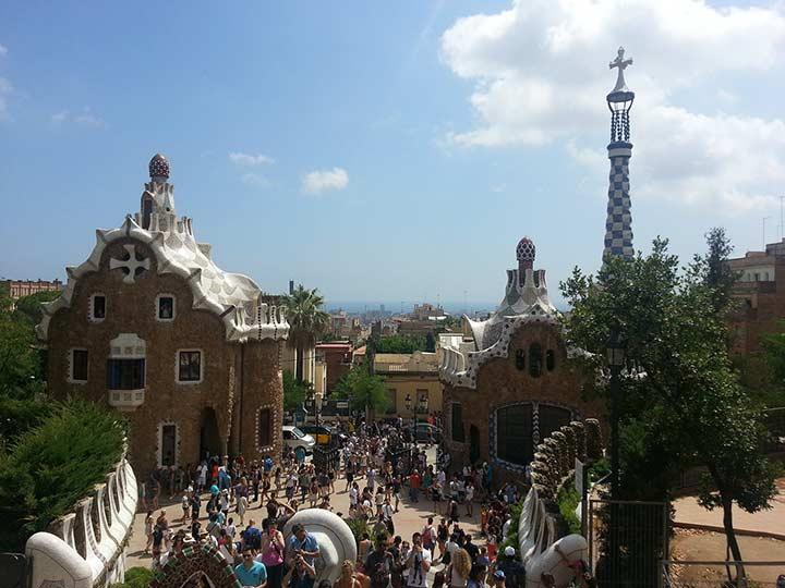 Парк Гуэля в Барселоне Гауди фото