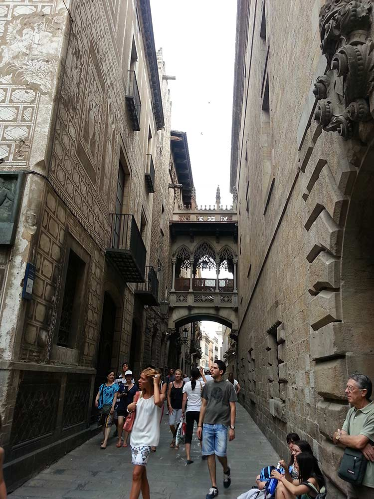 Барселона — центр города. Готический квартал (фото)