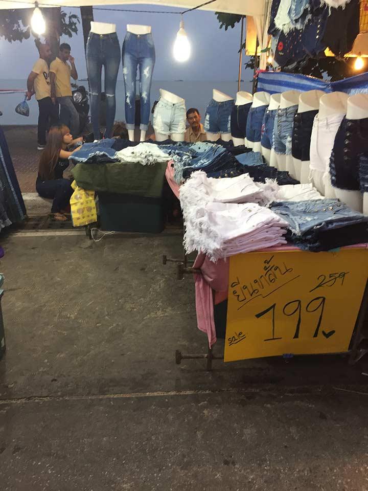 женские шорты в Паттайе стоят от 100 бат