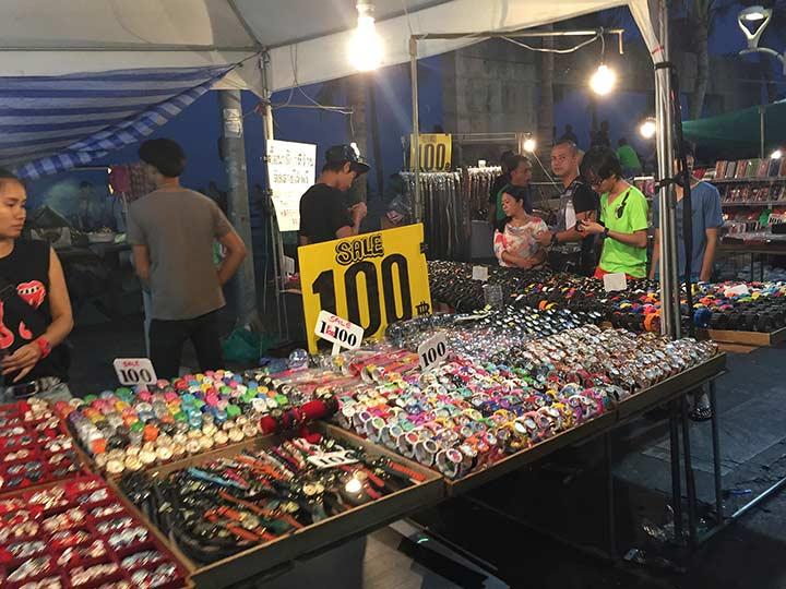 цены в Паттайе - знаменитые часы и опять 100 бат!