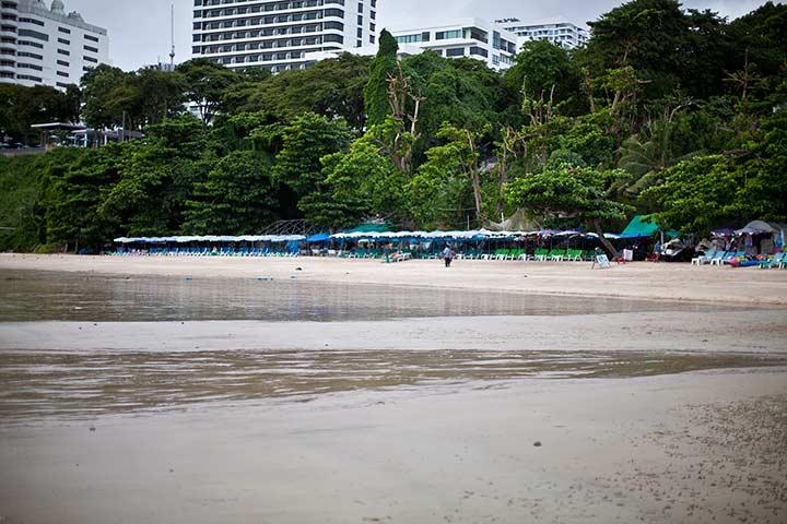 Cosy beach Паттайя - пляж у отеля Кози Бич фото