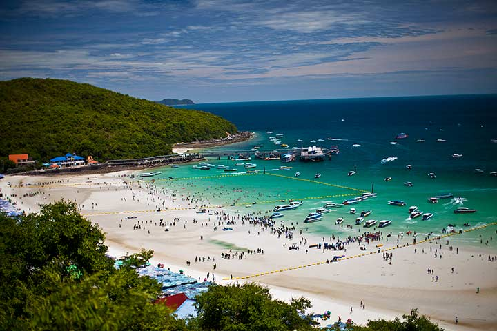 вот дальний кусочек справа на фото и есть пляж Сангван