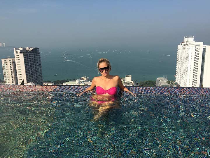 Сиам Сиам Паттайя - вид из бассейна просто супер!