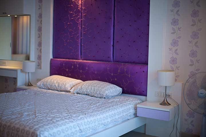 кровать в квартире